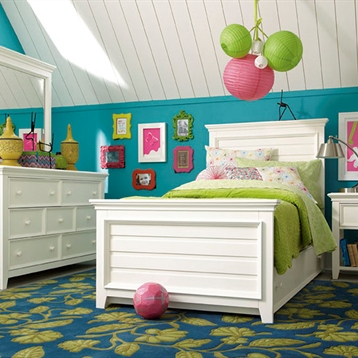 Willow Run Leg Night Stand, Landscape Mirror, And Drawer Dresser In Linen White
